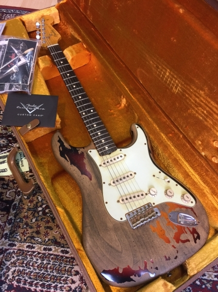 fender-custom-shop-rory-gallagher-stratocaster-2010-1